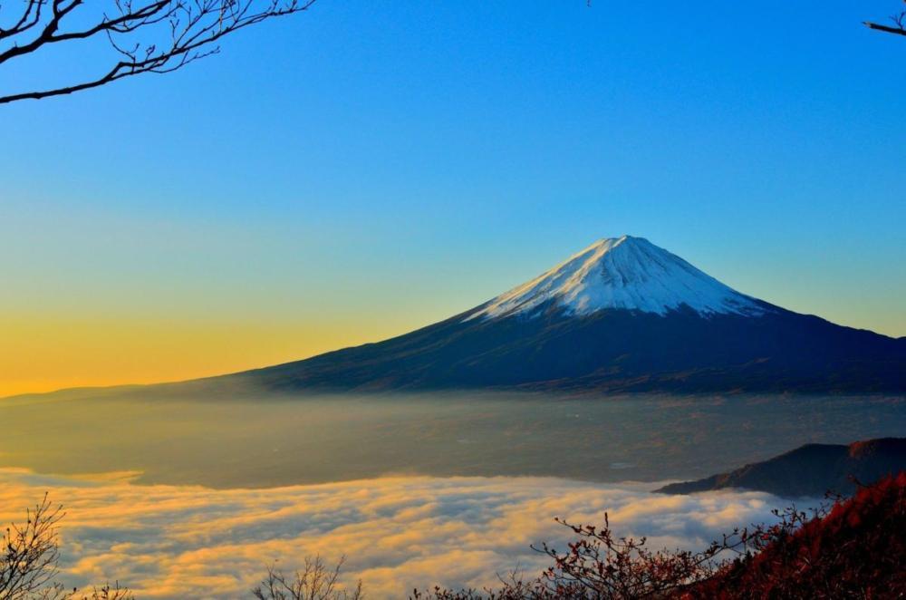 mountain-477832 1920