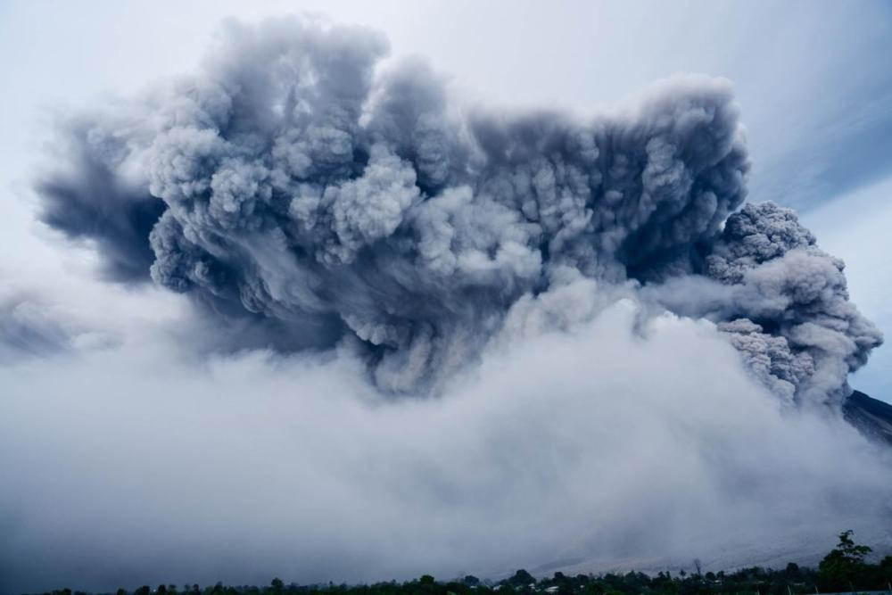 volcanic-eruption-1867439 1920